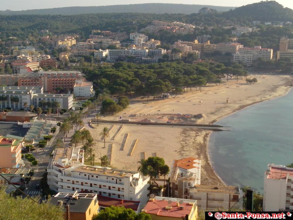 Ansicht zum Strand in Santa Ponsa im Winter